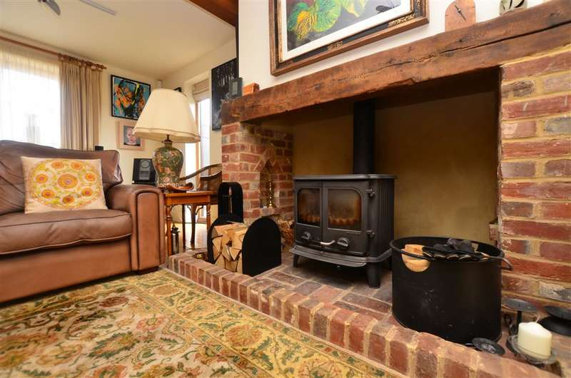 4 Bedrooms Detached House for sale in Church Road, Hoath, Canterbury, Kent