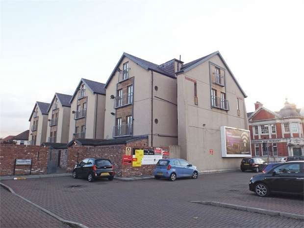 3 Bedrooms Flat for sale in Village Mews, Wallasey, Merseyside