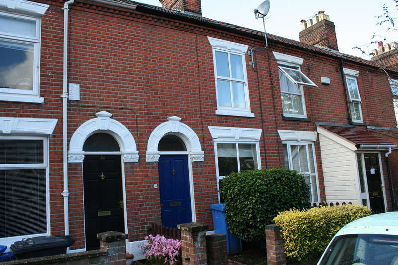 4 Bedrooms Terraced House for sale in GLEBE ROAD