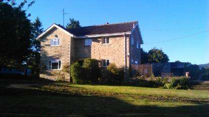4 Bedrooms Detached House for sale in Sherborne