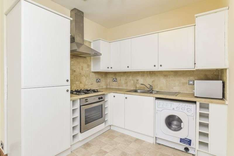 3 Bedrooms Flat for sale in 39 Bellevue Street, Bellevue, Edinburgh, EH7 4BX