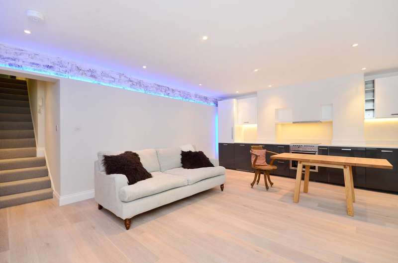1 Bedroom Flat for sale in Leinster Square, Westbourne Grove, W2