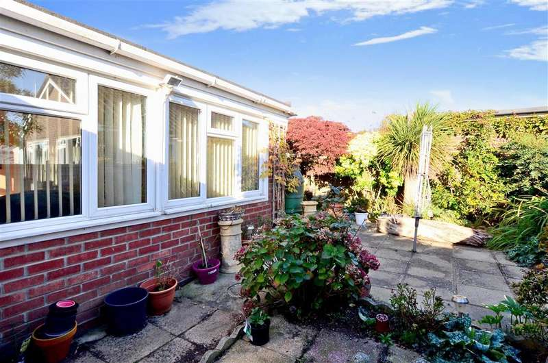 2 Bedrooms Semi Detached Bungalow for sale in Half Moon Lane, Worthing, West Sussex