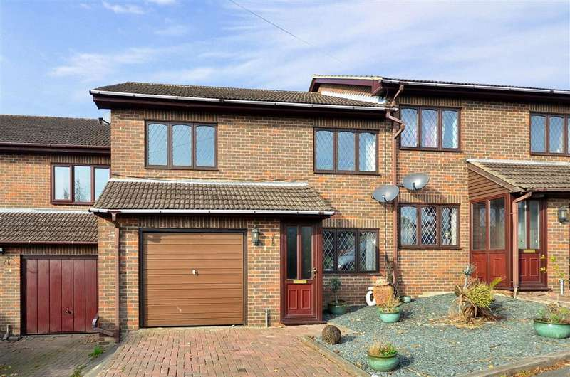 3 Bedrooms Terraced House for sale in Whitehill Road, Crowborough, East Sussex