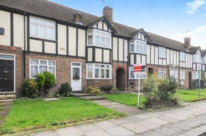 2 Bedrooms Maisonette Flat for sale in Tithe Court, Hall Lane, London