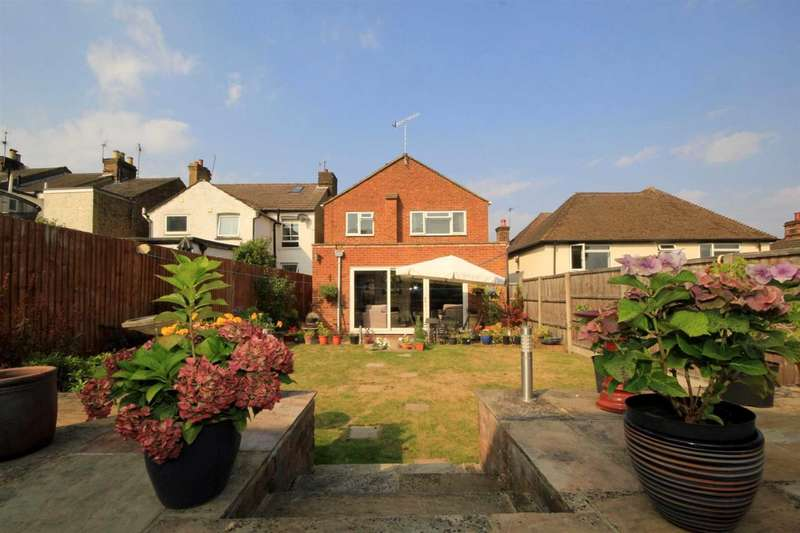 4 Bedrooms Detached House for sale in TOWN CENTRE - 4 BED DETACHED WITH SOUTH FACING GARDEN - Astley Road, Hemel Hempstead