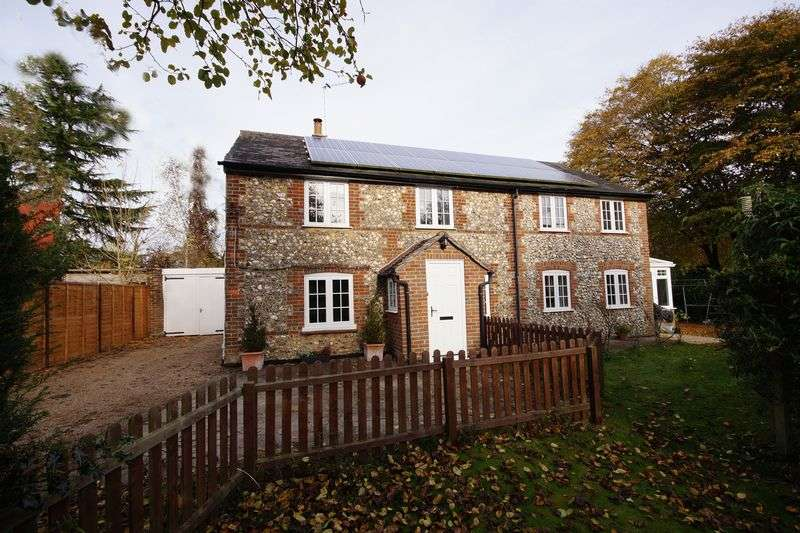 5 Bedrooms Detached House for sale in Little Kingshill
