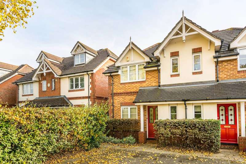 3 Bedrooms House for sale in Shelbourne Drive, Twickenham, TW4
