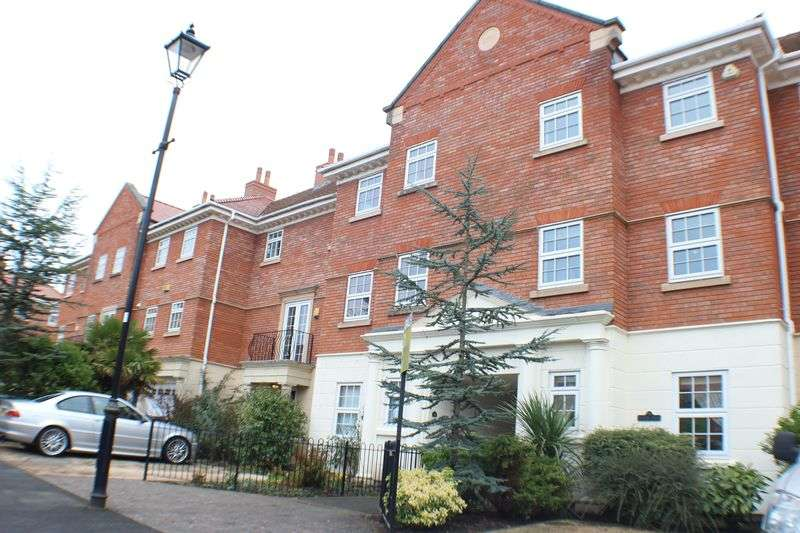 4 Bedrooms House for sale in Woodvale Court, Banks