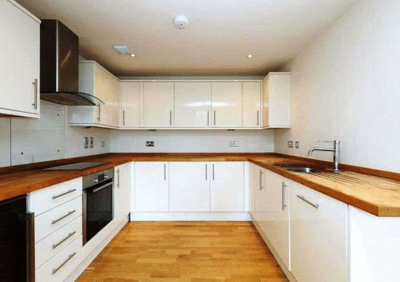 2 Bedrooms Flat for sale in Fairfield Road Penthouse