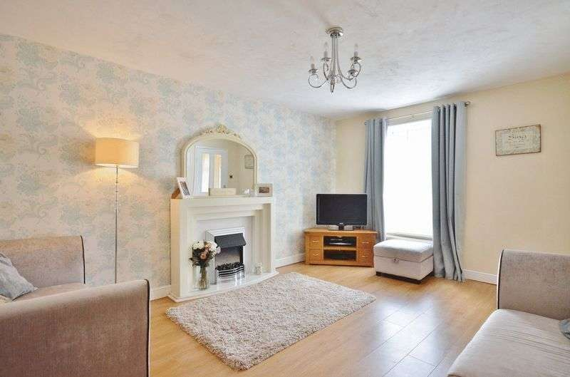 3 Bedrooms Semi Detached House for sale in Main Street, Frizington