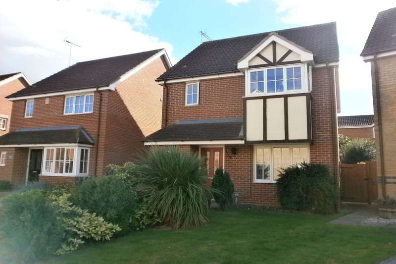 3 Bedrooms Detached House for sale in Baird Close, Yaxley, Peterborough, PE7