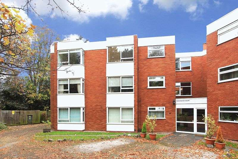 2 Bedrooms Flat for sale in FINCHFIELD, Finchfield Road West