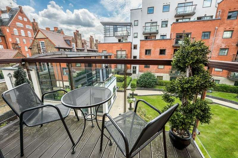 1 Bedroom Flat for sale in Montaigne Close, London