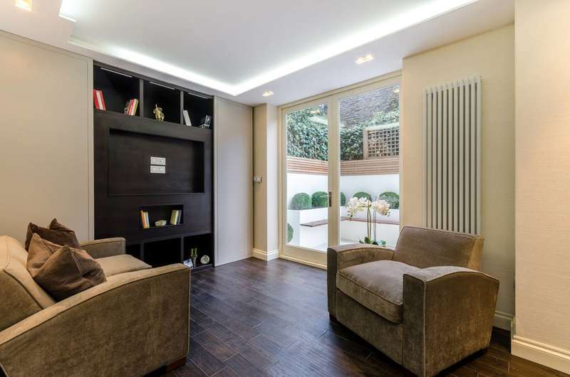 2 Bedrooms Flat for sale in St Olaf's Road, Munster Village, SW6