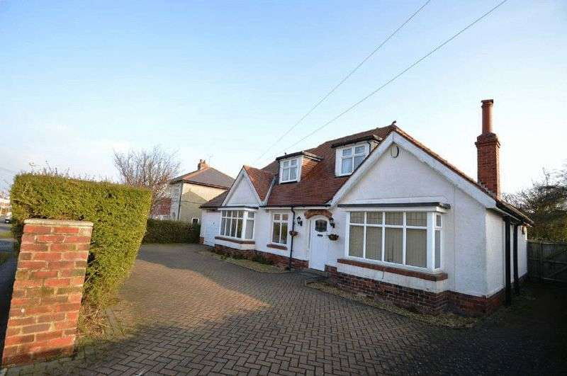 3 Bedrooms Detached Bungalow for sale in Scalby Avenue, Scarborough