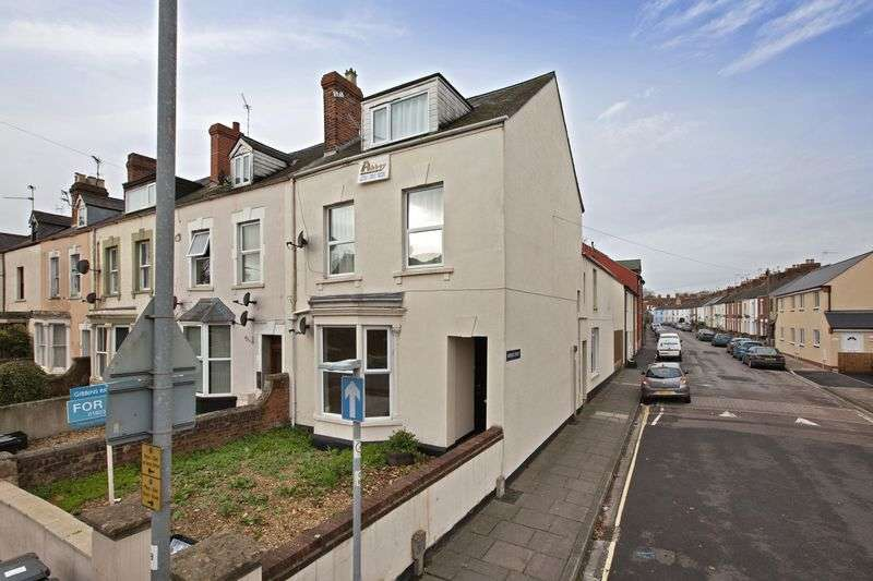 3 Bedrooms Flat for sale in CHEDDON ROAD