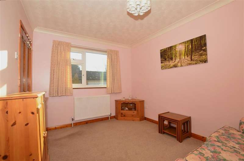 2 Bedrooms Detached Bungalow for sale in Canterbury Road, Chilham, Canterbury, Kent
