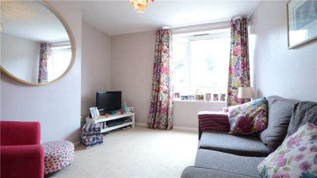 2 Bedrooms Apartment Flat for sale in Hemdean Road, Caversham, Reading