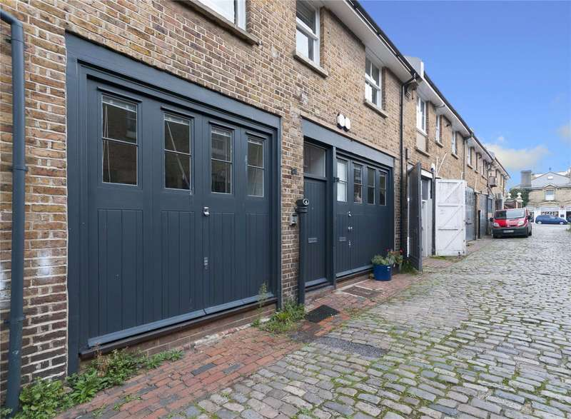 4 Bedrooms Mews House for sale in Queens Place, Hove, East Sussex, BN3