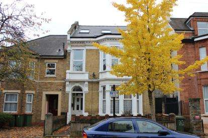 1 Bedroom Flat for sale in Forest Gate, London, England