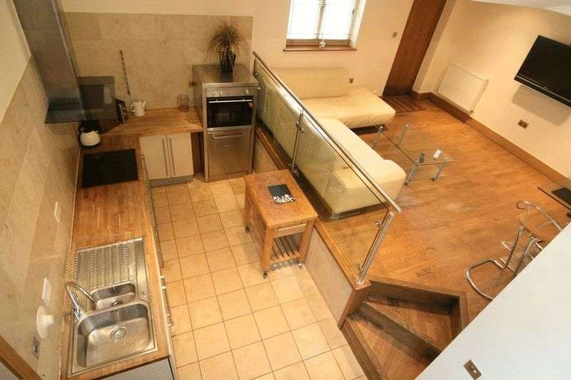 2 Bedrooms Semi Detached House for sale in Lansdown Place Lane, Cheltenham