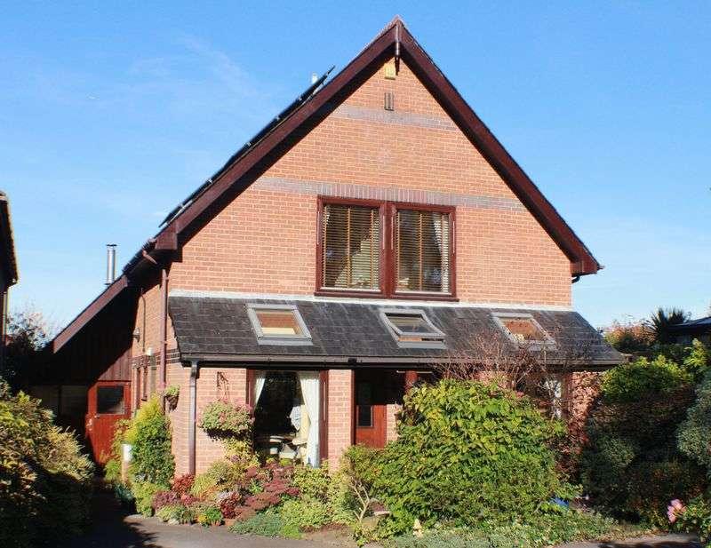 4 Bedrooms Detached House for sale in Bridge Road, Sarisbury Green