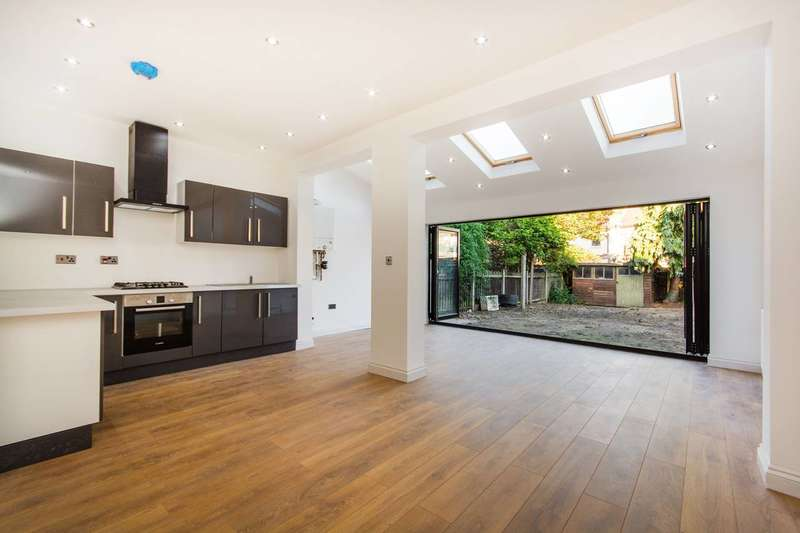 4 Bedrooms House for sale in Brigstock Road, Thornton Heath, CR7