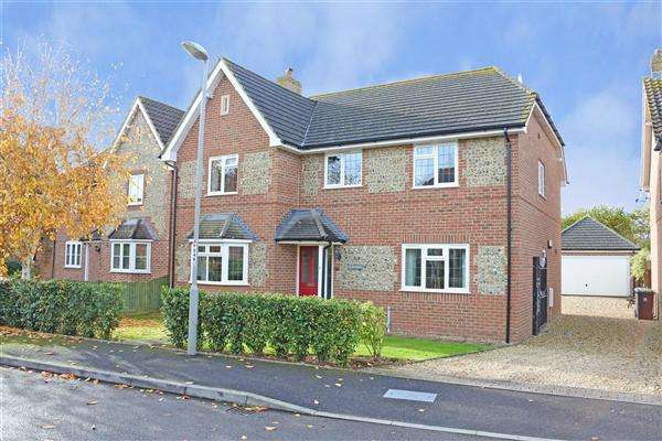 4 Bedrooms House for sale in Peacemarsh Farm Close, Peacemarsh, Gillingham