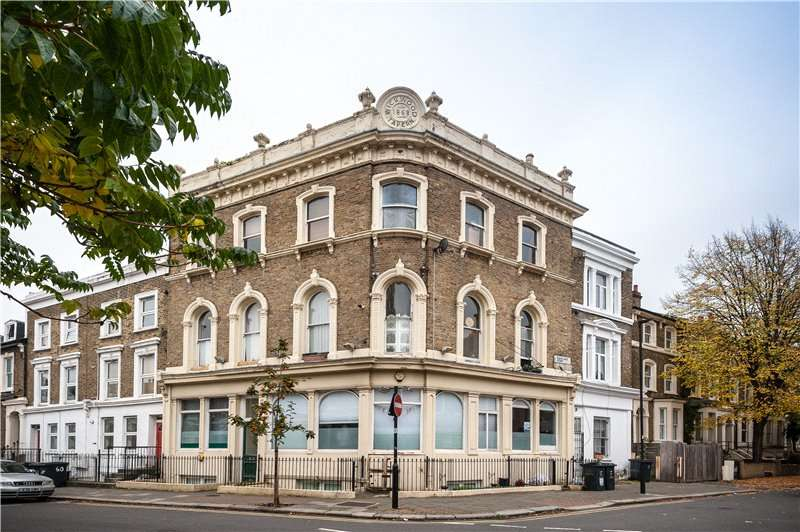 3 Bedrooms Flat for sale in Flaxman Road, Camberwell, London, SE5