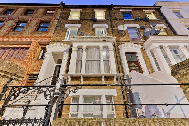 2 Bedrooms Flat for sale in Iverson Road, London NW6