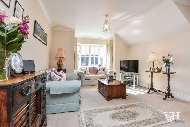 2 Bedrooms Flat for sale in The Street, Fetcham