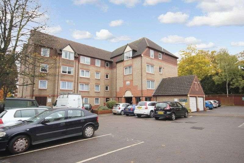 1 Bedroom Retirement Property for sale in Forest Dene Court, Sutton, SM2 5LP