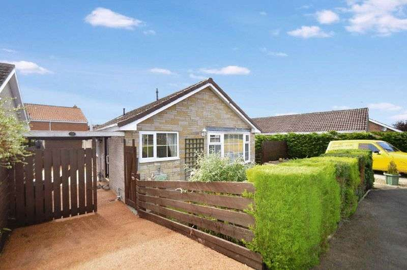 3 Bedrooms Detached Bungalow for sale in Swainsea Drive, Pickering