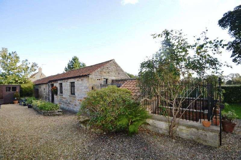 2 Bedrooms Semi Detached Bungalow for sale in Newlands Lane, Cloughton