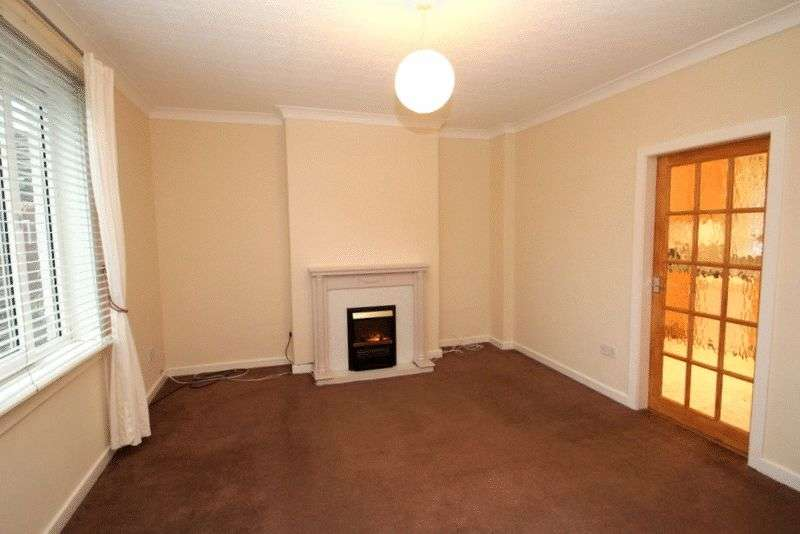 2 Bedrooms Flat for sale in Minto Gardens, Alva