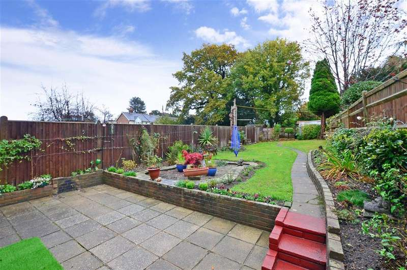 3 Bedrooms Semi Detached House for sale in Ashley Gardens, Tunbridge Wells, Kent