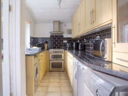 3 Bedrooms Terraced House for sale in Parker Street, Briercliffe, Burnley, Lancashire, BB10