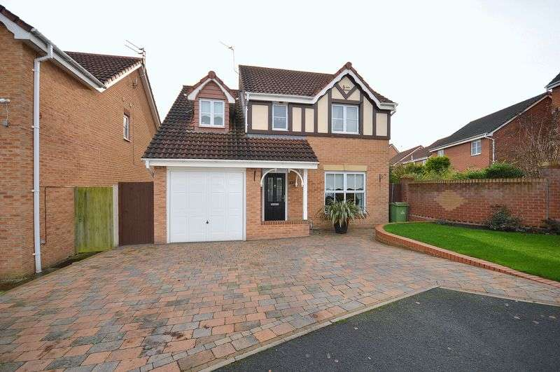 4 Bedrooms Detached House for sale in Buchanan Close, Widnes