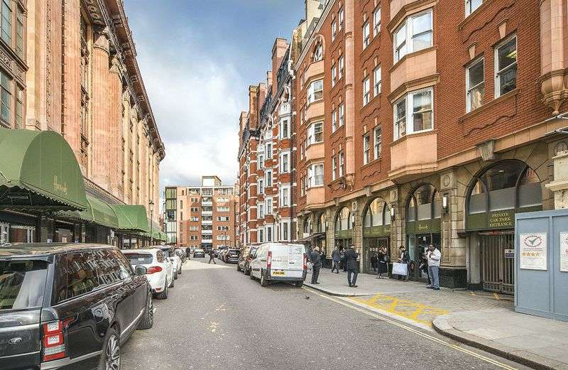 Commercial Property for sale in Long leasehold parking space for sale opposite Harrods, Knightsbridge SW3 with remote access and 24 hour security