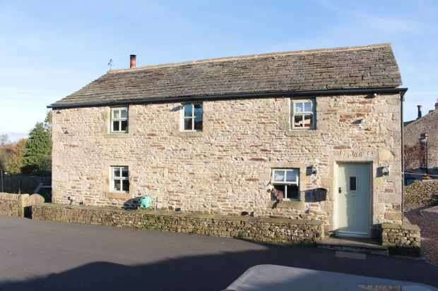 4 Bedrooms Detached House for sale in Gamsghyll Barn, Cowling, West Yorkshire, BD22 0LD