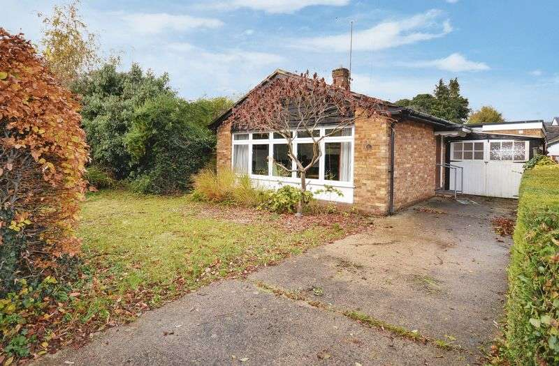 2 Bedrooms Detached Bungalow for sale in Wendover