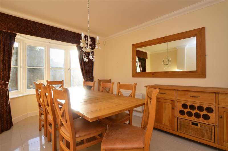 5 Bedrooms Detached House for sale in Upton Grange, Broadstairs, Kent