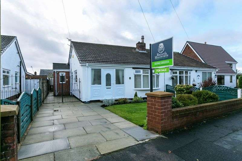 2 Bedrooms Semi Detached Bungalow for sale in Stuart Crescent, Billinge, WN5 7NW