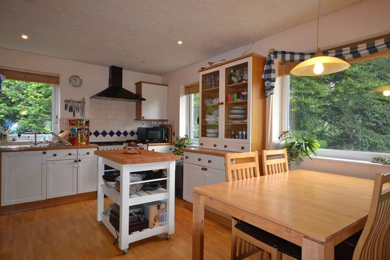 5 Bedrooms Detached House for sale in Oke Tor Close, Paignton, Devon, TQ3