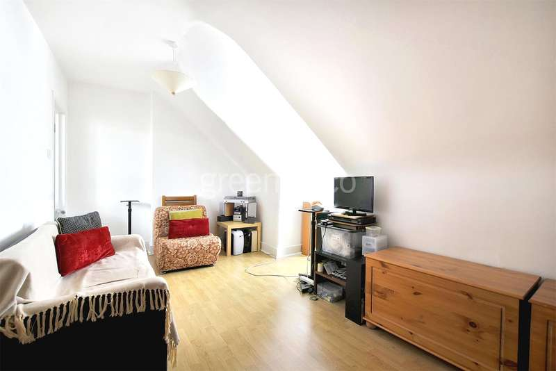 1 Bedroom Flat for sale in Ash Grove, Cricklewood, London, NW2