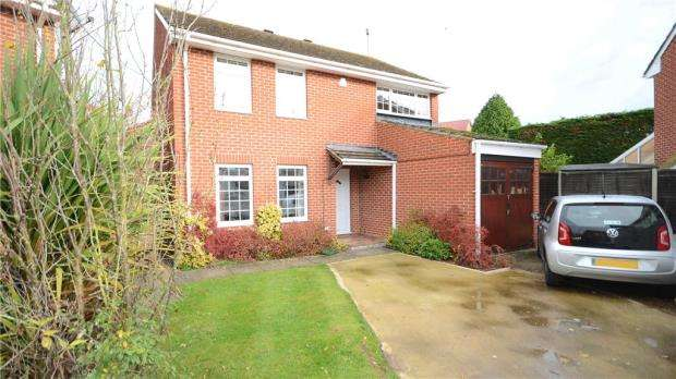 4 Bedrooms Detached House for sale in Ramsey Close, Lower Earley, Reading