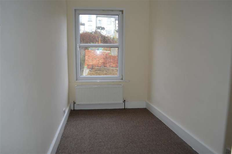 3 Bedrooms Terraced House for sale in Bradstone Road, Folkestone, Kent