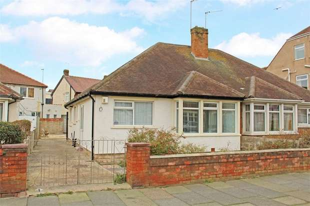 2 Bedrooms Semi Detached House for sale in Luton Road, Thornton-Cleveleys, Lancashire