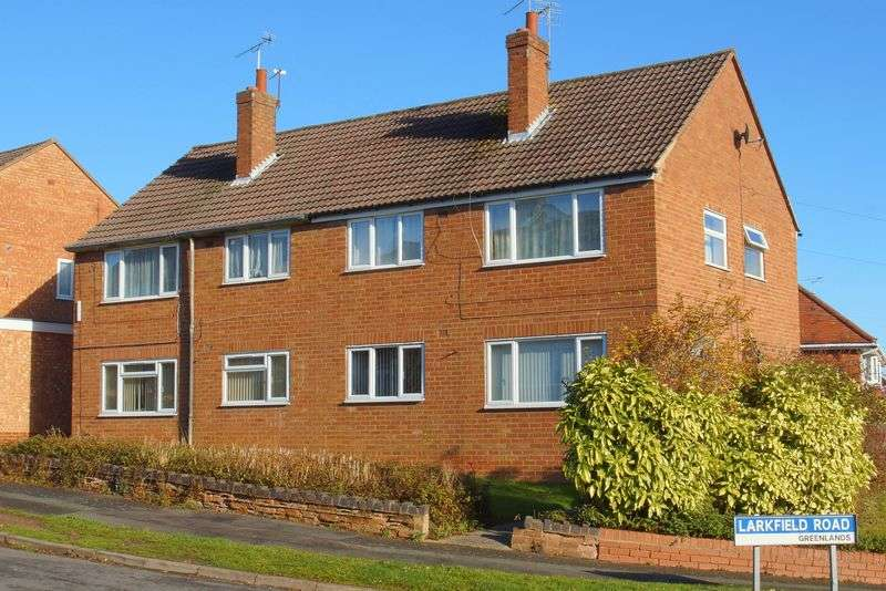 2 Bedrooms Flat for sale in Oakenshaw Road, Greenlands, Redditch, Worcestershire